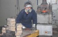 На аффинажном заводе ТОО «Тау-Кен Алтын» внедряют уникальную технологию вакуумной дистилляции серебра