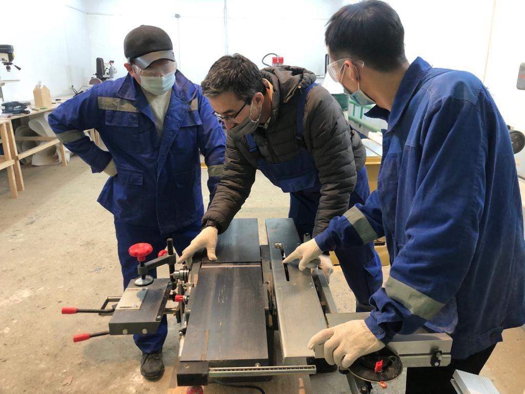 При финансовой поддержке ERG в Павлодаре открывается социальный столярный цех